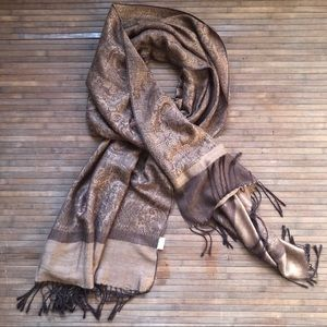 Cashmere • Soft Patterned Scarf
